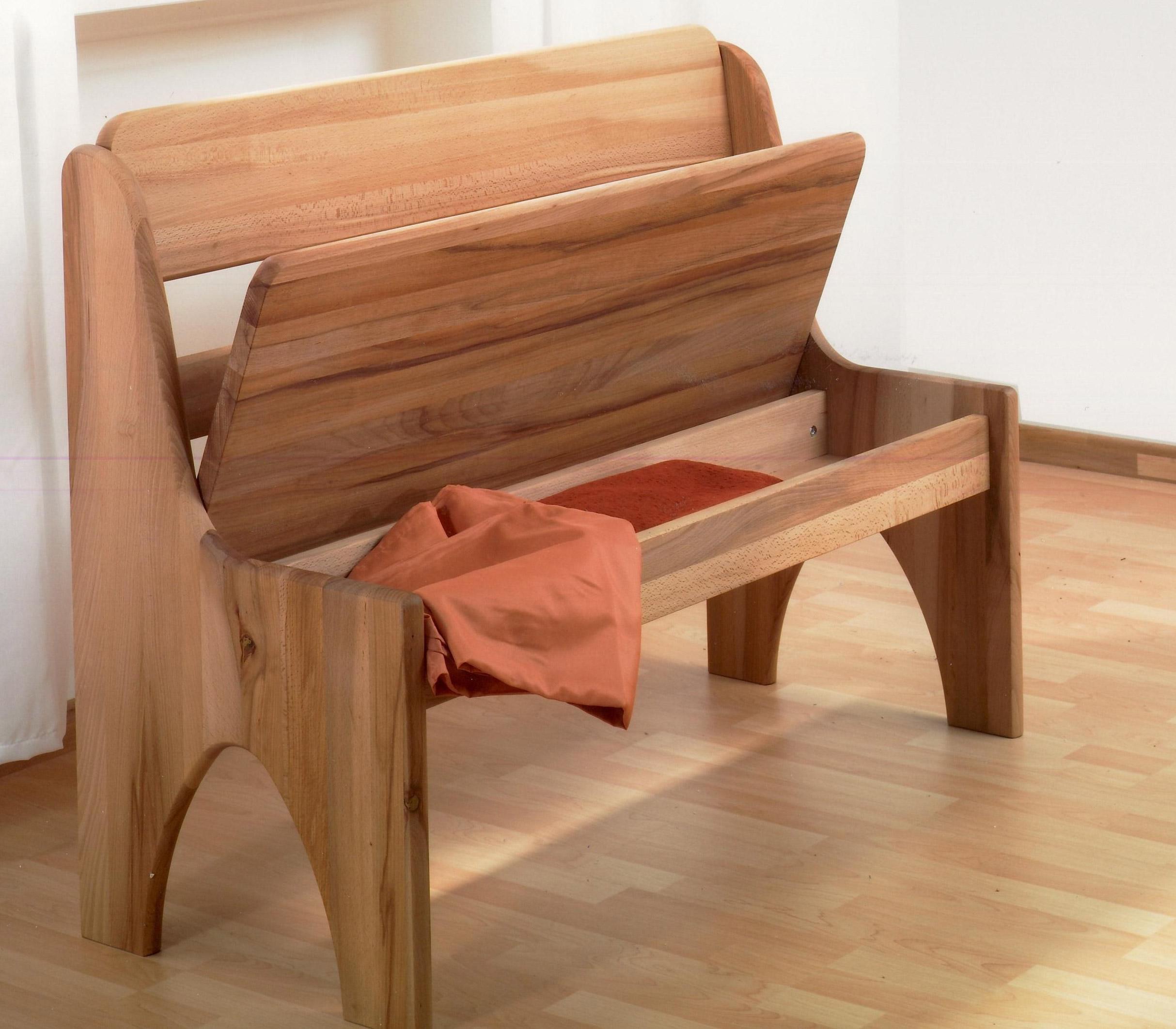 Sitzbank standardmäßig mit kleiner Truhe